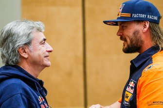 #305 JCW X-Raid Team: Carlos Sainz, #1 Red Bull KTM Factory Racing: Toby Price