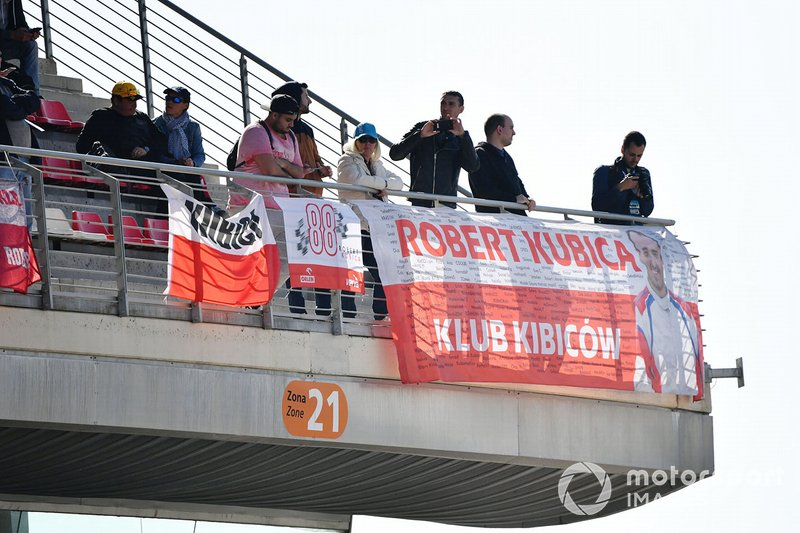 Robert Kubica fans in the grandstand