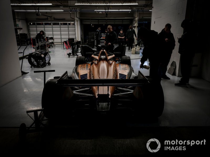Oliver Askew, Arrow McLaren SP Chevrolet, garage, crew, Pato O'Ward, Arrow McLaren SP Chevrolet