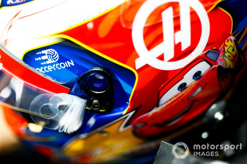 The helmet design of Romain Grosjean, Haas F1 Team