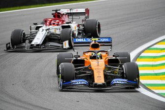 Lando Norris, McLaren MCL34 and Kimi Raikkonen, Alfa Romeo Racing C38