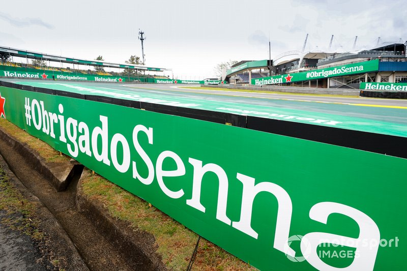 Thank you Senna signage