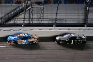 William Byron, Hendrick Motorsports, Chevrolet Camaro Axalta 'Color of the Year' and Kurt Busch, Chip Ganassi Racing, Chevrolet Camaro Monster Energy