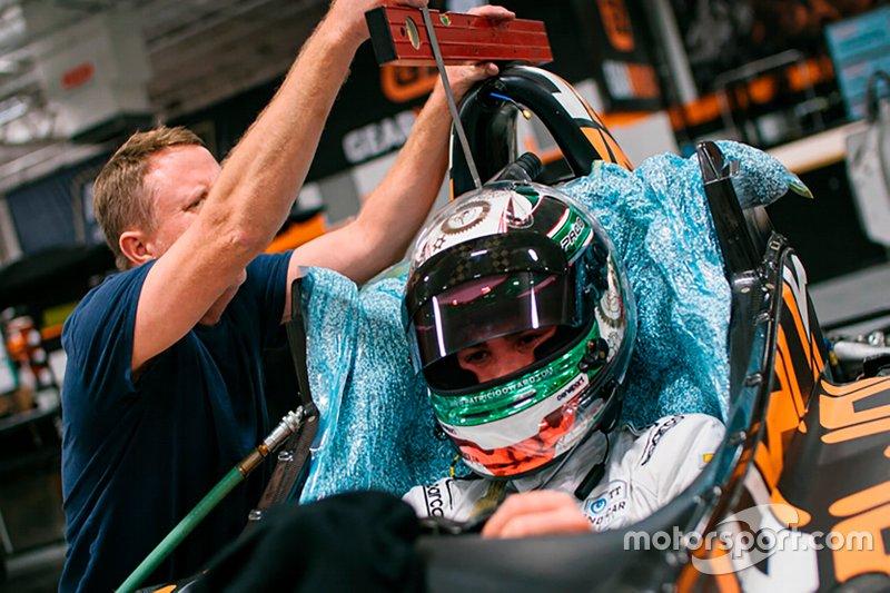Patricio O'ward, Arrow McLaren SP ajuste de asiento