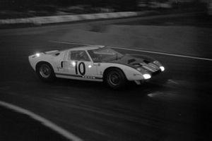 Брюс МакЛарен, Фил Хилл, Ford Motor Company, Ford GT40