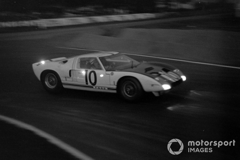 Bruce McLaren, Phil Hill, Ford Motor Company, Ford GT40