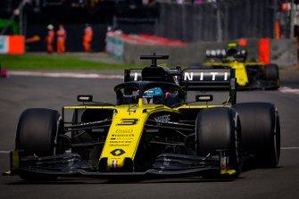 Daniel Ricciardo, Renault F1 Team R.S.19, Nico Hulkenberg, Renault F1 Team R.S.19