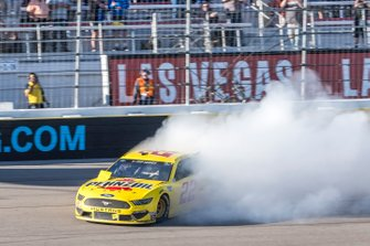 Ganador: Joey Logano, Team Penske, Ford Mustang Pennzoil