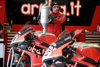 Refuelling at the bike of Scott Redding, Aruba.it Racing Ducati
