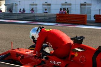 Sebastian Vettel, Ferrari, crashes