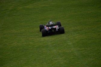 Daniil Kvyat, Toro Rosso STR14, leaves the track