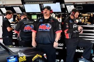 Riley Herbst, Kyle Busch Motorsports, Toyota Tundra Monster Energy/Advance Auto Parts crew