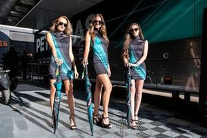 Petronas Yamaha SRT girls