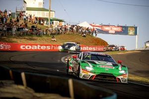 #76 R-Motorsport Aston Martin Vantage AMR GT3: Jake Dennis, Rick Kelly, Scott Dixon