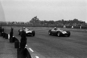 Eugenio Castellotti, Alfonso de Portago, Ferrari D50, à la lutte avec Alfonso de Portago, Peter Collins, Ferrari D50