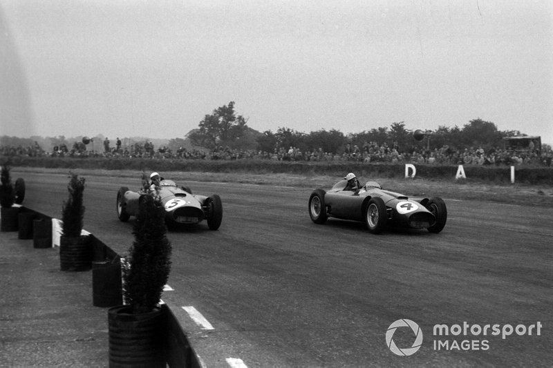 1- Alfonso de Portago, 2º en el GP de Gran Bretaña 1956 con Ferrari*