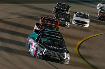 Dylan Lupton, DGR-Crosley, Toyota Tundra SHREDDY and Johnny Sauter, ThorSport Racing, Ford F-150 Tenda Heal