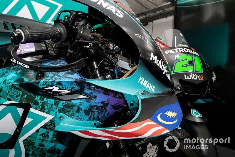 Petronas Yamaha SRT, decoración carrera de casa