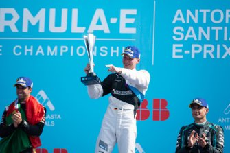 Podio: ganador de la carrera Maximilian Günther, BMW I Andretti Motorsports, segundo lugar Antonio Felix da Costa, DS Techeetah,y el tercer lugar Mitch Evans, Jaguar Racing