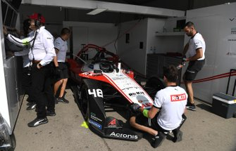 Edoardo Mortara, Venturi, EQ Silver Arrow 01 in the garage