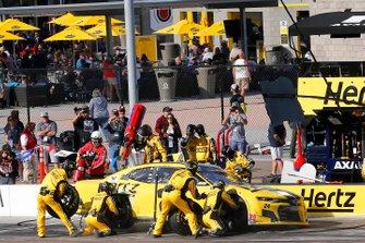 William Byron, Hendrick Motorsports, Chevrolet Camaro Hertz pit stop