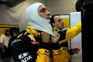 Роберт Кубица, Renault F1 Team, и Виталий Петров, Renault F1 Team