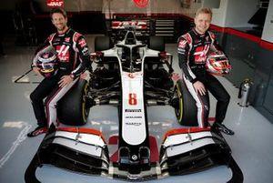 Romain Grosjean, and Kevin Magnussen, Haas F1 Team VF-20