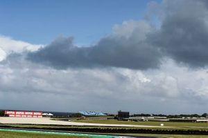 Les nuages au-dessus du circuit de Phillip Island