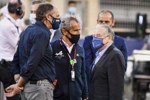 Gerhard Berger, Président ITR, Alain Prost, Alpine F1 Team, et Jean Todt, Président, FIA, sur la grille