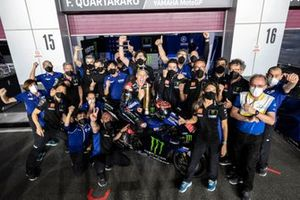 Race winner Fabio Quartararo, Yamaha Factory Racing with the team