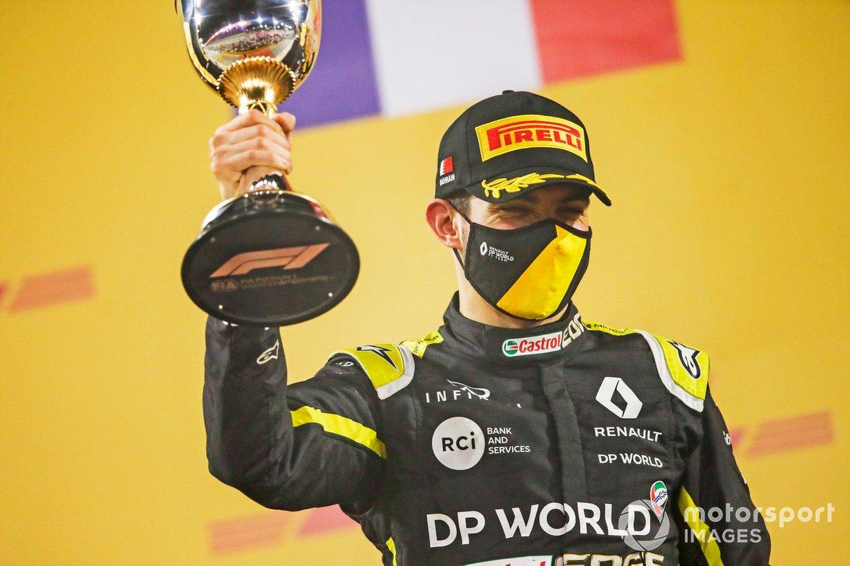 Podio: segundo lugar Esteban Ocon, Renault F1