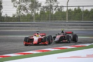 Mick Schumacher, Prema Racing leads Callum Ilott, UNI-Virtuosi