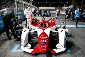Sergio Sette Camara, Dragon Penske Autosport, Penske EV-4, on the grid