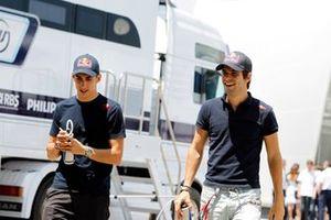 Sebastien Buemi, Toro Rosso, avec Jaime Alguersuari, Toro Rosso
