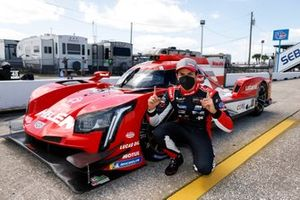 #31 Action Express Racing Cadillac DPi, DPi: Pipo Derani, IMSA Motul Pole Award for DPI