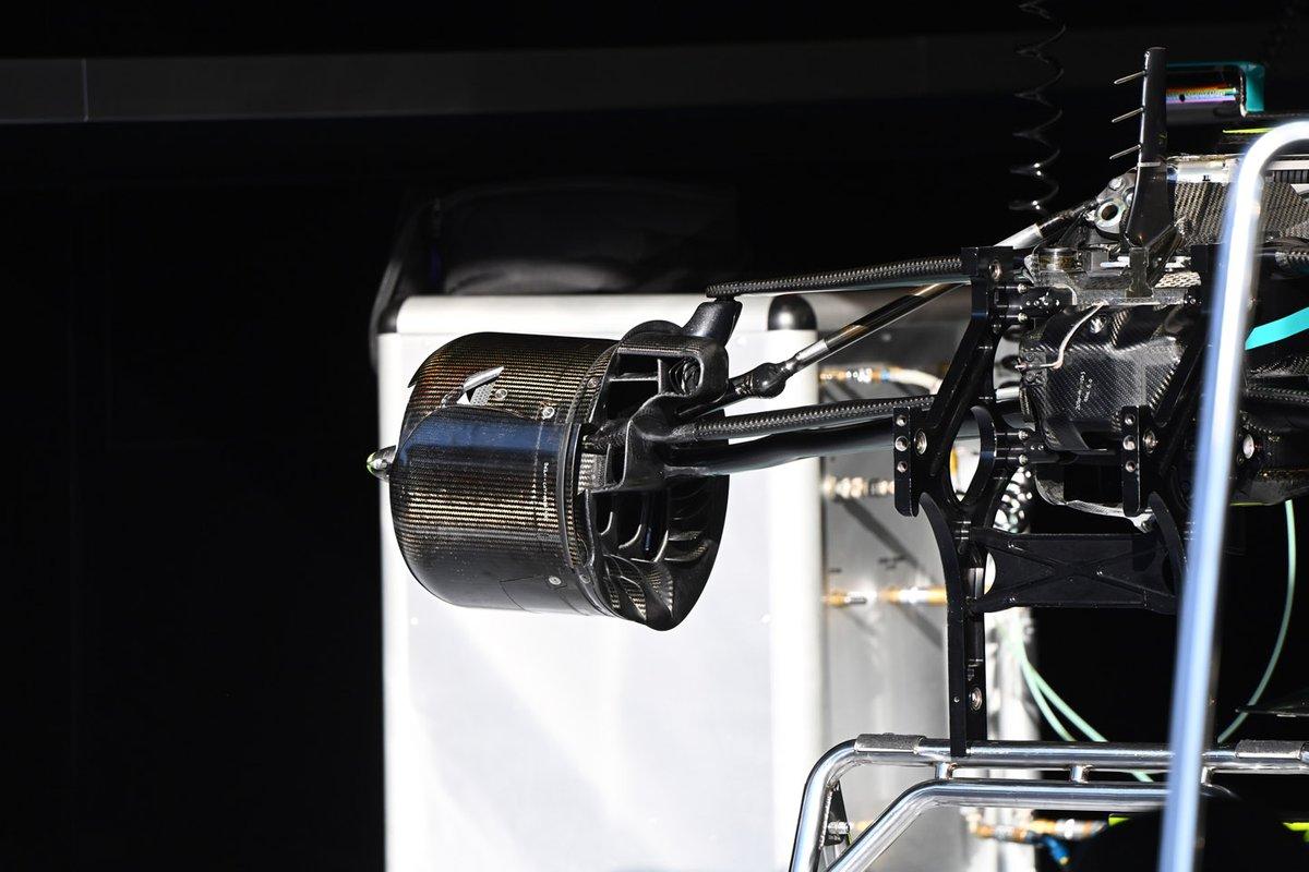 Detalhe do freio dianteiro do F1 W11 da Mercedes
