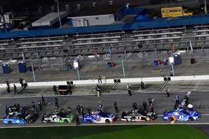 Ricky Stenhouse Jr., JTG Daugherty Racing, Chevrolet Camaro Kroger/NOS Energy Drink and Austin Cindric, Team Penske, Ford Mustang Verizon 5G