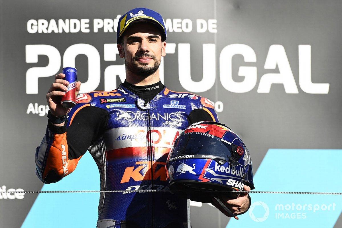 Podio: el ganador del GP de Portugal 2020, Miguel Oliveira, Red Bull KTM Tech 3