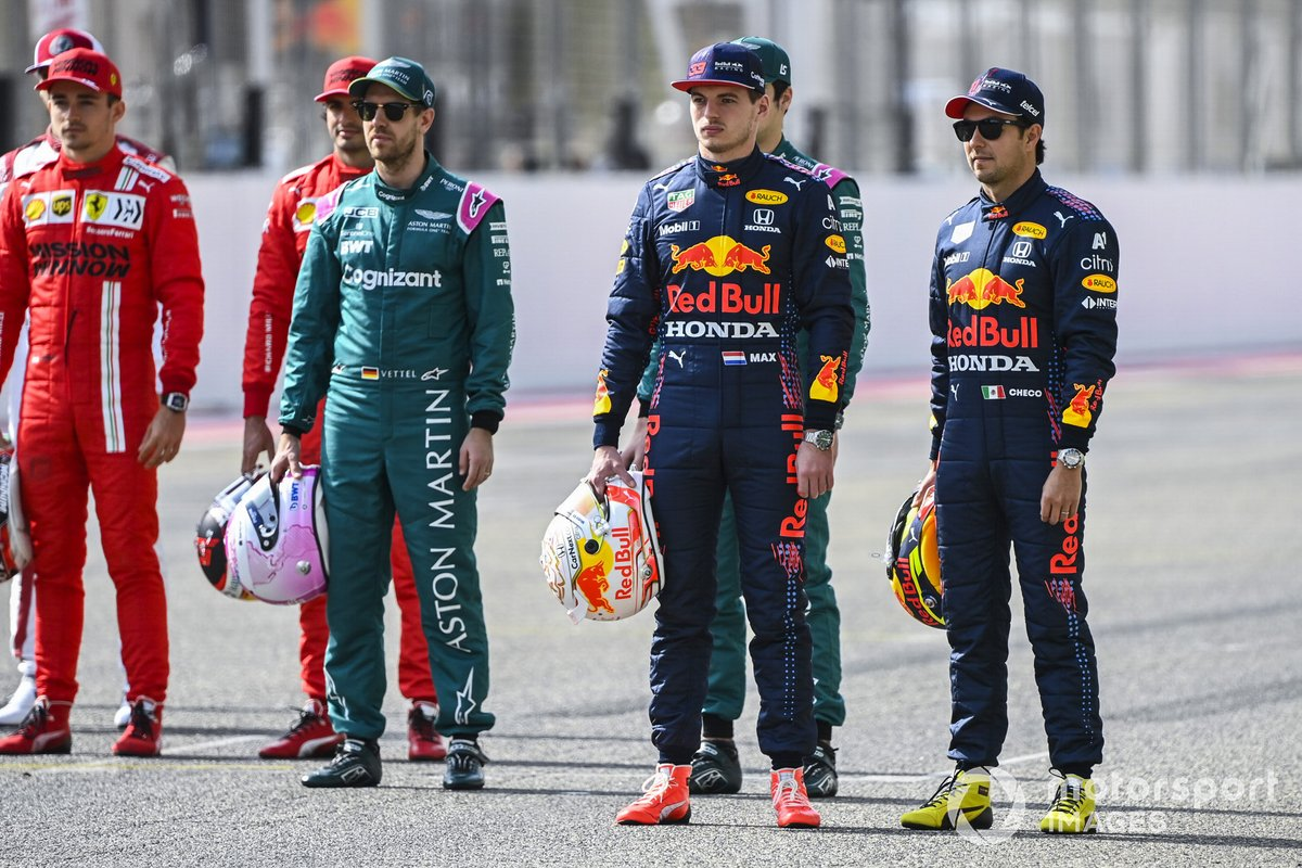 Max Verstappen, Red Bull Racing, y Sergio Pérez, Red Bull Racing