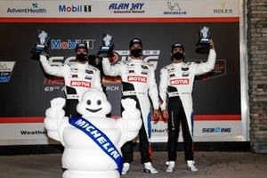 Podio: #25 BMW Team RLL BMW M8 GTE, GTLM: Connor De Phillippi, Philipp Eng, Bruno Spengler