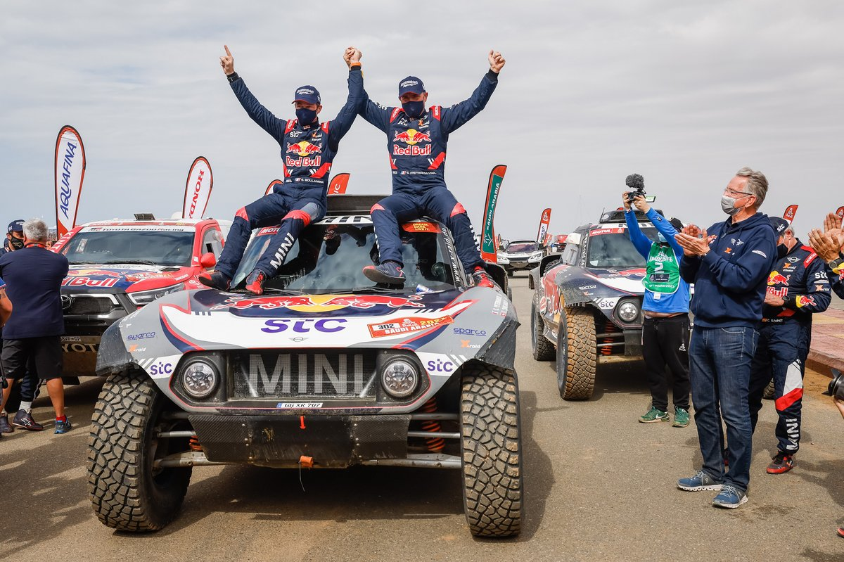 Winners #302 X-Raid Mini JCW Team: Stéphane Peterhansel, Edouard Boulanger