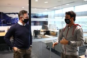 Sergio Perez, Red Bull Racing met Christian Horner, teambaas Red Bull Racing
