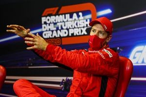 Себастьян Феттель, Ferrari, на пресс-конференции