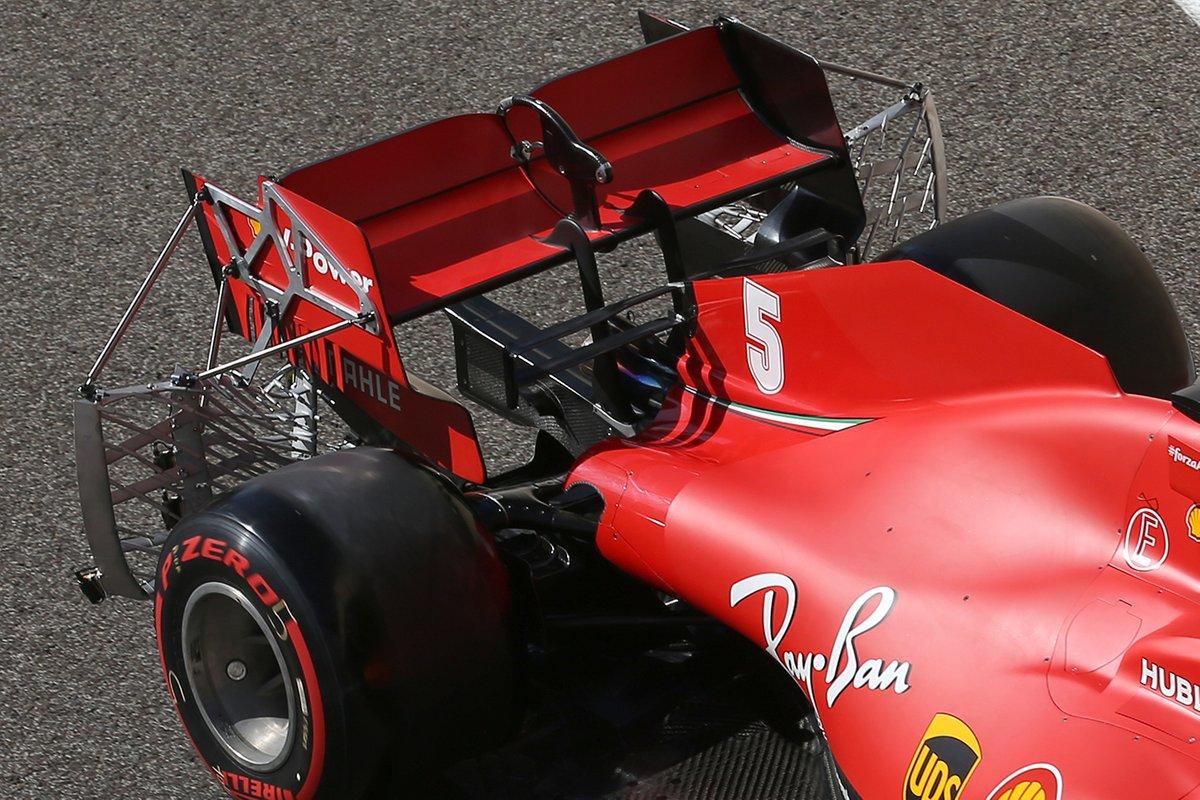 Detalle del alerón trasero del Ferrari SF1000 con sensores