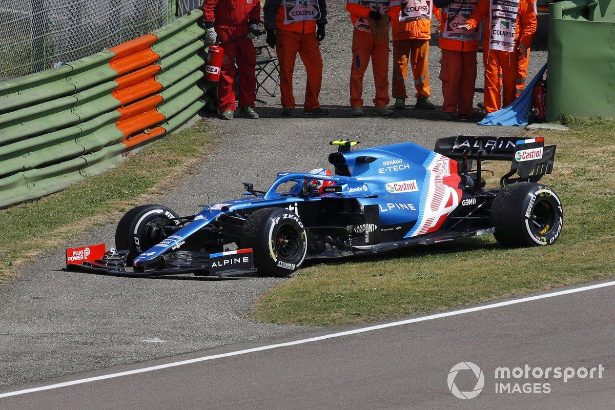 Esteban Ocon, Alpine A521 tras pararse en la FP1