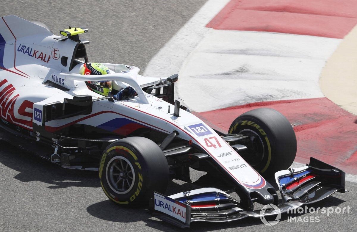 19º Mick Schumacher, Haas VF-21, 1:32.053 (con neumáticos C3)