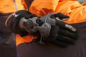 McLaren handschoen detail