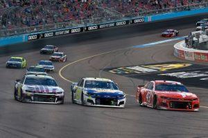 Chase Elliott, Hendrick Motorsports, Chevrolet Camaro NAPA Auto Parts and Jimmie Johnson, Hendrick Motorsports, Chevrolet Camaro Ally