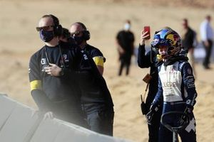 Catie Munnings, Andretti United Extreme E, watches the action