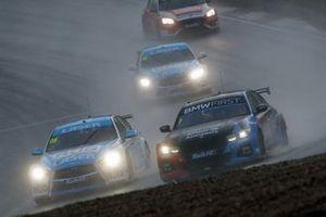 Colin Turkington, Team BMW BMW 330i M Sport and Ashley Sutton, Laser Tools Racing Infiniti Q50
